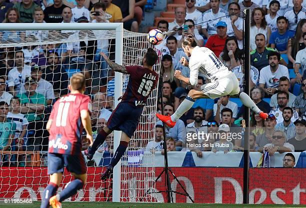 Gareth Bale of Real Madrid scores a goal during the La Liga match between Real Madrid CF and SD Eibar at Estadio Santiago Bernabeu on October 2 2016...