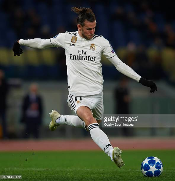 Gareth Bale of Real Madrid scores his sides first goal during the Group G match of the UEFA Champions League between AS Roma and Real Madrid at...