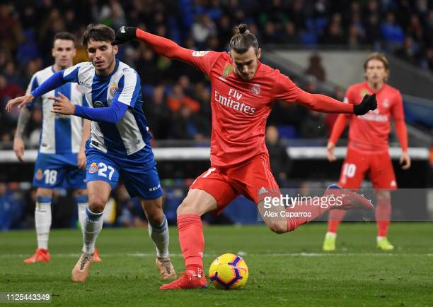 Gareth Bale of Real Madrid scores his team's fourth goal during the La Liga match between RCD Espanyol and Real Madrid CF at RCDE Stadium on January...