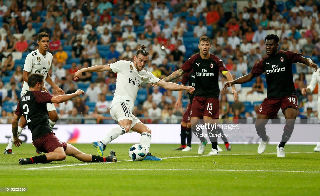 Gareth Bale of Real Madrid scores his team's second goal during the Trofeo Santiago Bernabeu match between Real Madrid and AC Milan at Estadio Santiago Bernabeu on August 11, 2018 in Madrid, Spain.