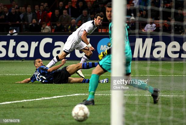 Gareth Bale of Tottenham Hotspur scores his first goal during the UEFA Champions League Group A match between FC Internazionale Milano and Tottenham...