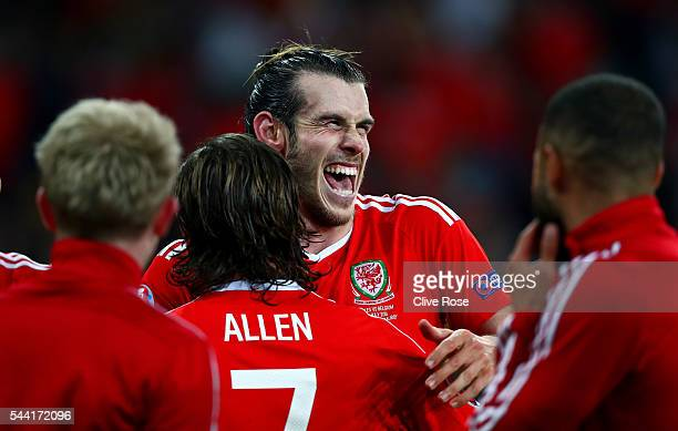 Gareth Bale of Wales celebrates his team's 31 win with his team mates after the UEFA EURO 2016 quarter final match between Wales and Belgium at Stade...