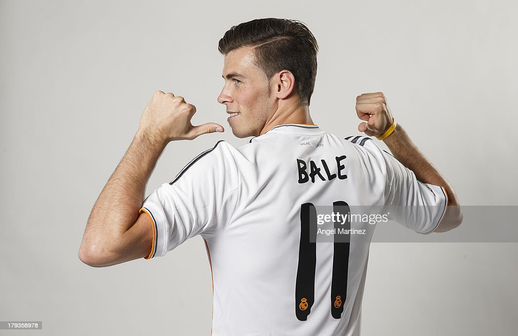 Gareth Bale Officially Unveiled At Real Madrid : News Photo