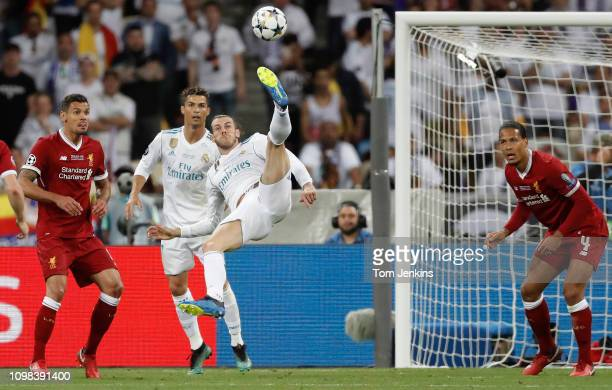 Gareth Bale scores the 2nd goal for Real Madrid with a stunning overhead kick during the Real Madrid v Liverpool Champions League final 2018 at the...