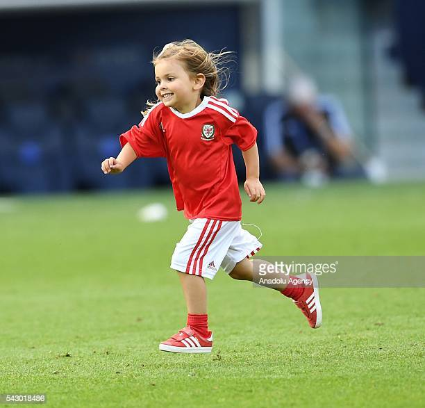 Gareth Bale's daughter Alba Violet celebrate after the Euro 2016 round of 16 football match between Wales and North Ireland at Parc des Princes in...