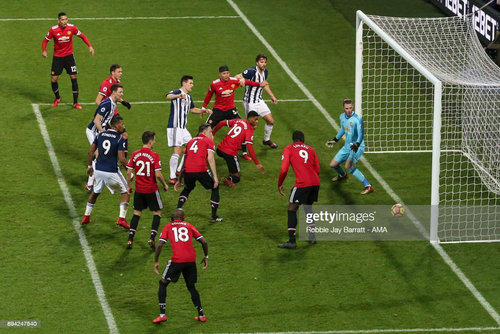 Gareth Barry of West Bromwich Albion scores a goal to make it 1-2 during the Premier League match between West Bromwich Albion and Manchester United at The Hawthorns on December 17, 2017 in West Bromwich, England.
