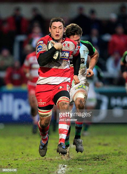 Gareth Delve of Gloucester runs to set up breakaway try during the Guinness Premiership match between Gloucester Rugby and Harlequins at Kingsholm on...