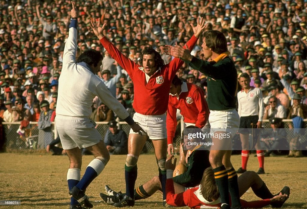 Gareth Edwards of the British Lions celebrates a lions try : News Photo