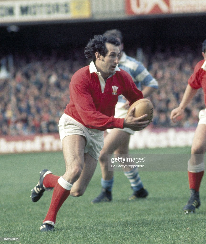 Gareth Edwards of Wales (left) in action during the international rugby union match against Argentina at Cardiff Arms Park on 16th October 1976. Wales beat Argentina 20-19.