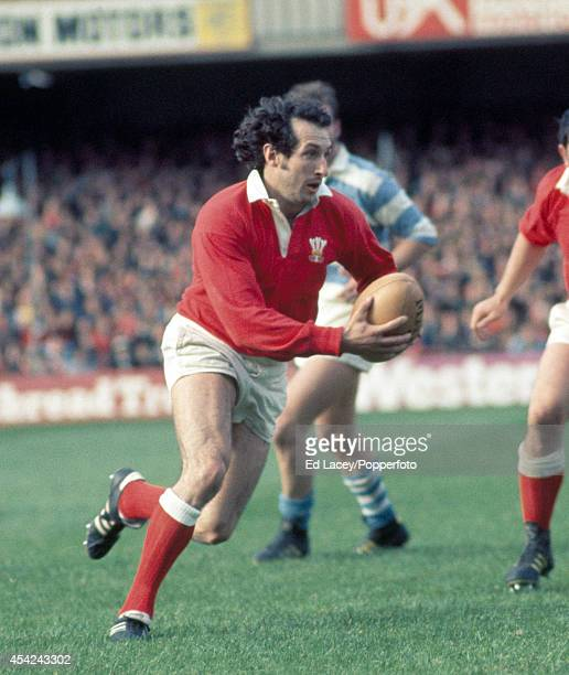 Gareth Edwards of Wales in action during the international rugby union match against Argentina at Cardiff Arms Park on 16th October 1976 Wales beat...