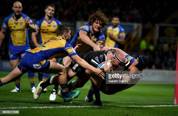 Gareth Ellis of Hull FC scores his team's first try during the Betfred Super League semi final between Leeds Rhinos and Hull FC at Headingley on...
