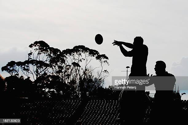 Gareth Evans of Otago wins lineout ball during the round eight ITM Cup match between North Harbour and Otago at North Harbour Stadium on October 5,...