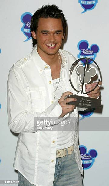 Gareth Gates with his award for Best Male during The Disney Channel Kids Awards - Awards Room - September 20, 2003 at Royal Albert Hall in London,...