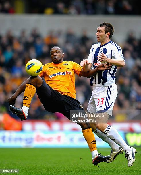 Gareth McAuley of West Bromwich Albion battles with Sylvan EbanksBlake of Wolverhampton Wanderers during the Barclays Premier League match between...