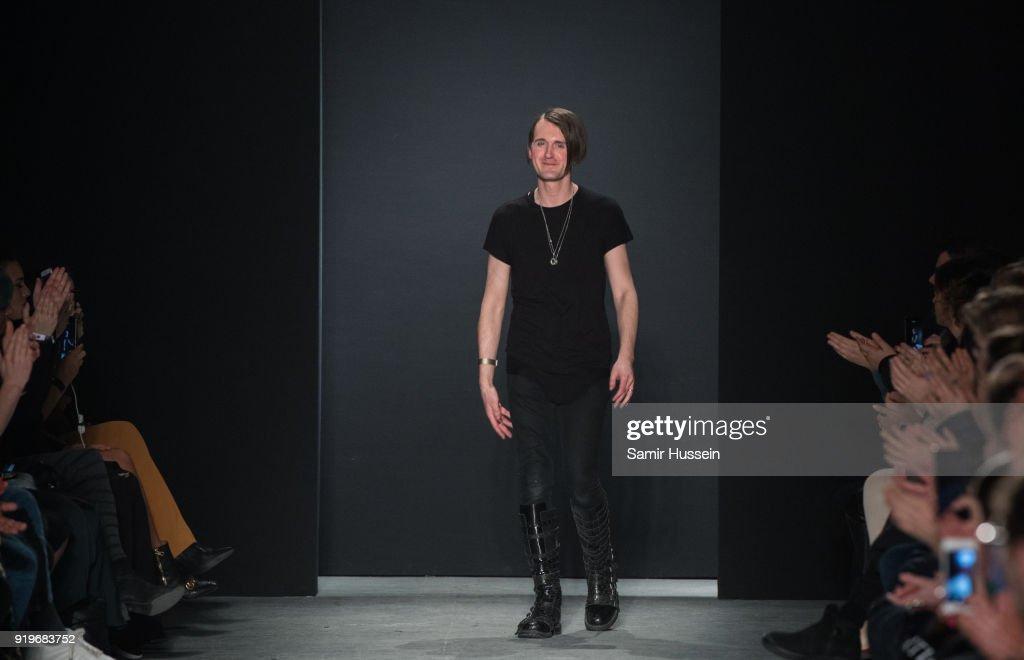Gareth Pugh - Runway - LFW February 2018 : ニュース写真