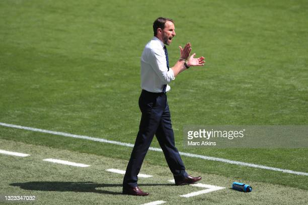 Gareth Southgate, Head Coach of England gives his team instructions during the UEFA Euro 2020 Championship Group D match between England and Croatia...