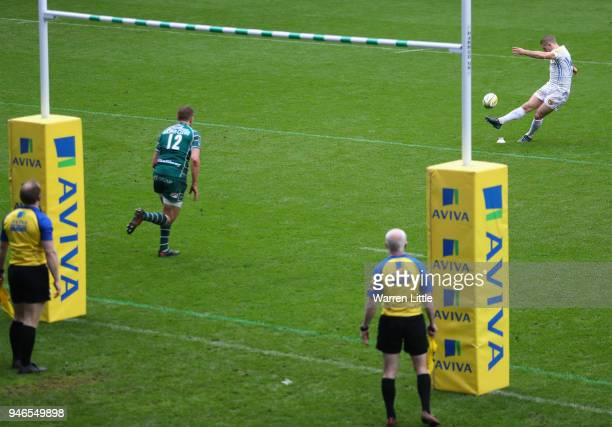 Gareth Steenson, Exeter Chiefs Captain converts a try during the Aviva Premiership match between London Irish and Exeter Chiefs at Madejski Stadium...