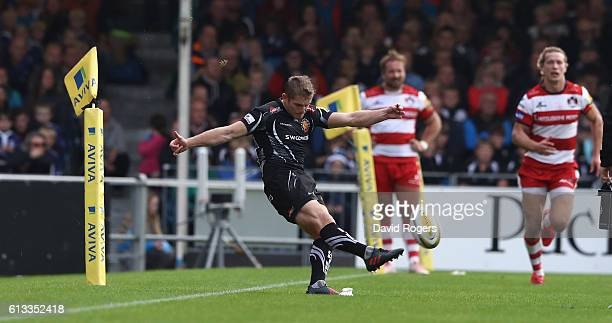 Gareth Steenson of Exeter misses with a last kick of the match conversion chance that would have won the match but resulted in a 27-27 draw during...