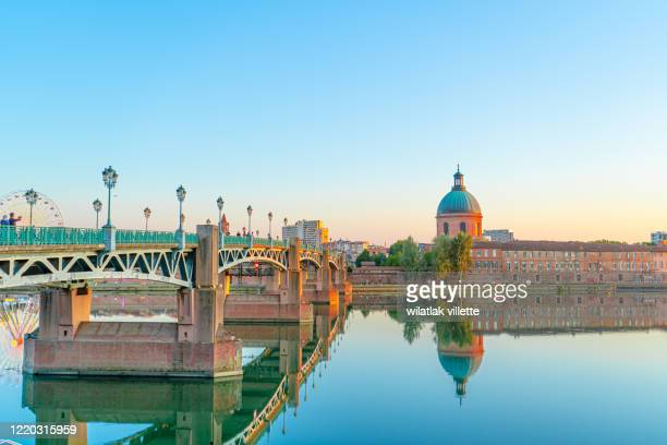 garonne river and dome de la grave in toulouse, france - toulouse stock pictures, royalty-free photos & images