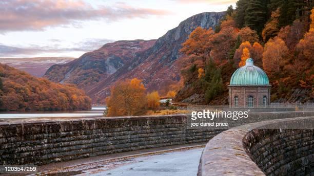 garreg ddu dam, rhayader, elan valley, wales - nature stock pictures, royalty-free photos & images