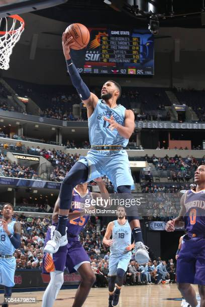 Garrett Temple of the Memphis Grizzlies goes to the basket against the Phoenix Suns on October 27 2018 at FedExForum in Memphis Tennessee NOTE TO...