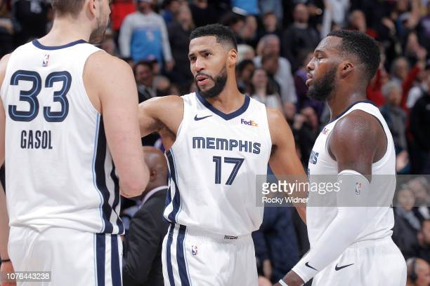 Garrett Temple of the Memphis Grizzlies talks to teammates during the game against the Sacramento Kings on December 21 2018 at Golden 1 Center in...