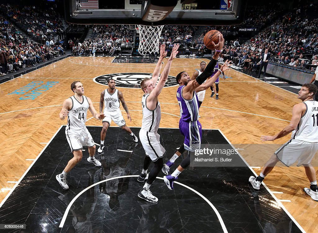 Garrett Temple #17 of the Sacramento Kings drives to the basket against the Brooklyn Nets on November 27, 2016 at Barclays Center in Brooklyn, NY.