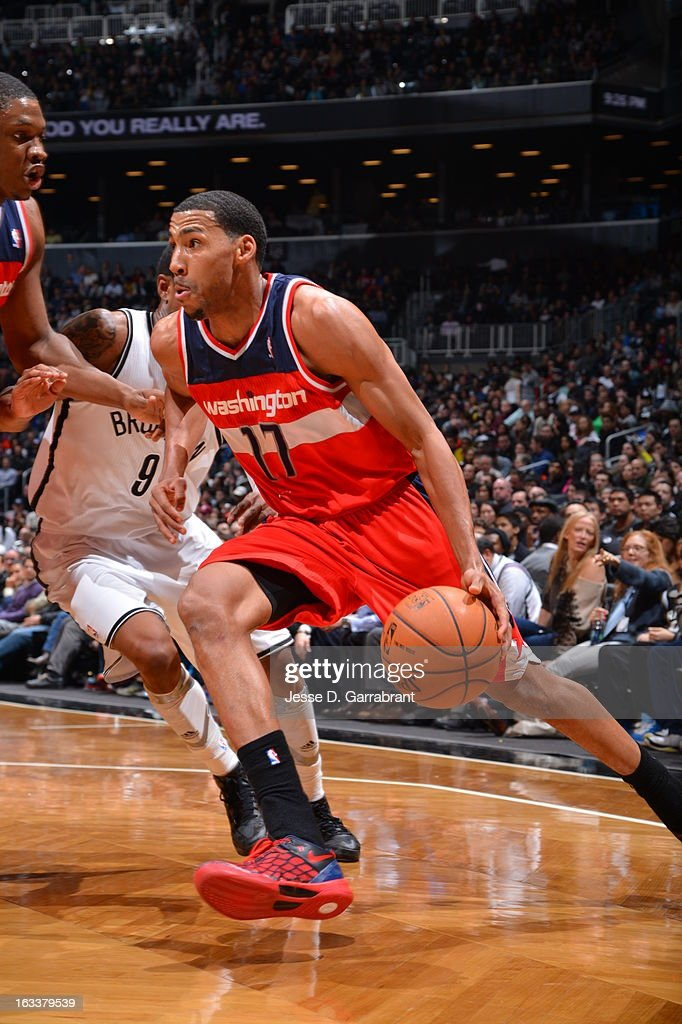 Garrett Temple #17 of the Washington Wizards drives to the basket against the Brooklyn Nets on March 8, 2013 at the Barclays Center in Brooklyn, New York.