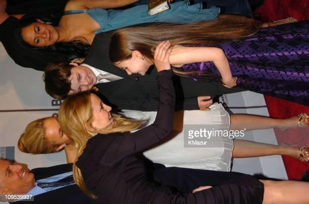 Garry Marshall Kate Hudson Hayden Panettiere Abigail Breslin Spencer Breslin and Sakina Jaffrey