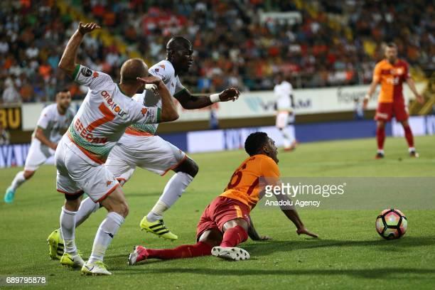 Garry Mendes Rodrigues of Galatasaray in action during the Turkish Spor Toto Super Lig match between Aytemiz Alanyaspor and Galatasaray at Bahcesehir...