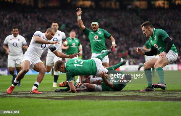 Garry Ringrose of Ireland touches down for the first try during the NatWest Six Nations match between England and Ireland at Twickenham Stadium on...