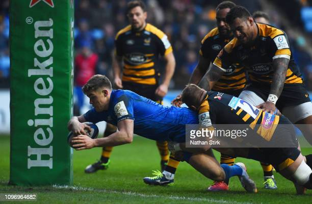 Garry Ringrose of Leinster touches down to score their first try during the Champions Cup match between Wasps and Leinster Rugby at Ricoh Arena on...