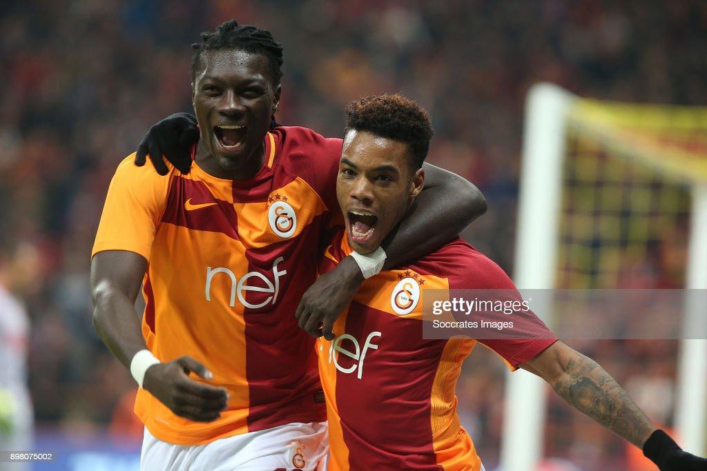 Garry Rodrigues of Galatasaray celebrates 1-1 with Bafetimbi Gomis of Galatasaray during the Turkish Super lig match between Galatasaray v Goztepe at the Turk Telekom Stadium on December 24, 2017 in Istanbul Turkey