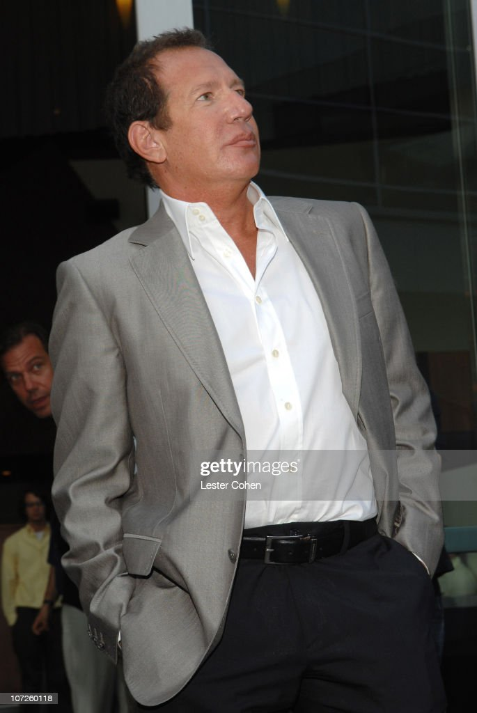 Garry Shandling during 'You Kill Me' Los Angeles Premiere - Red Carpet at ArcLight Hollywood in Hollywood, California, United States.