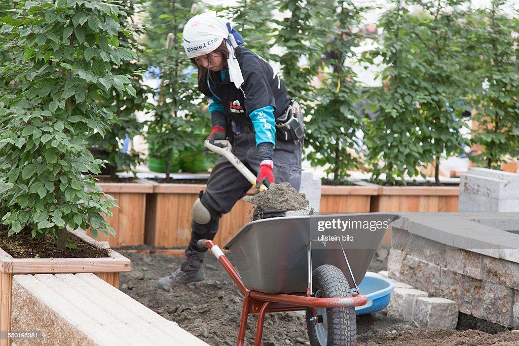 Landschaftsbau  Garten- und Landschaftsbau Pictures | Getty Images