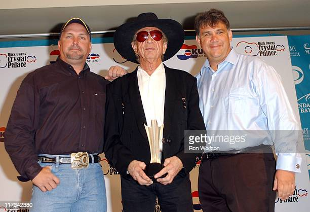 Garth Brooks, Buck Owens and Bob Romeo during 40th Annual Academy of Country Music Awards - Buck Owens Announces Legends in Bronze Unveiling at...