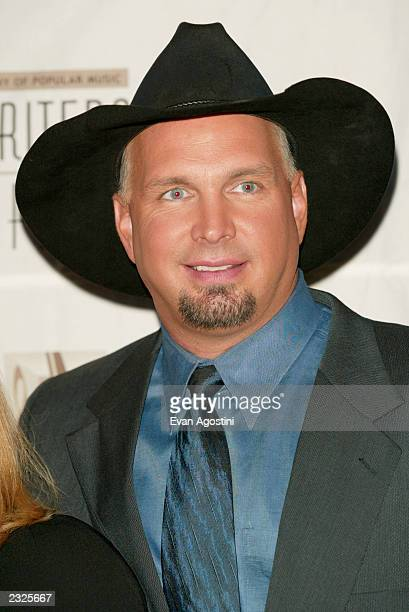 Garth Brooks recipient of the Hitmaker Award at the 33rd Annual Songwriters Hall Of Fame Awards induction ceremony at The Sheraton New York Hotel in...