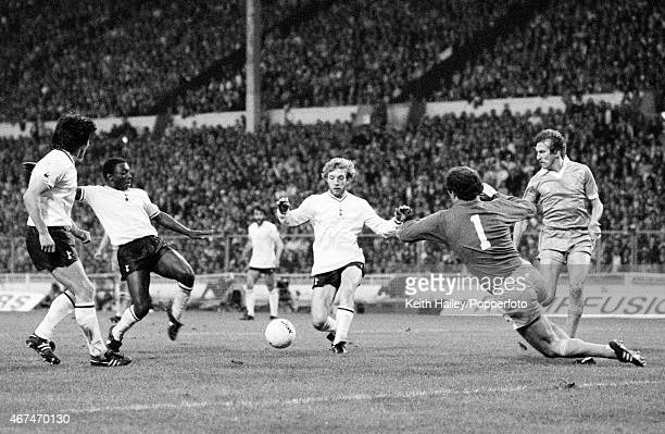 Garth Crooks scores for Tottenham Hotspur during the FA Cup Final Replay at Wembley Stadium in London 14th May 1981 The Manchester City goalkeeper is...