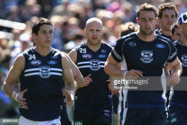 Gary Ablett of the Cats runs with team-mates during a Geelong Cats AFL training session at Skilled Stadium September 21, 2009 in Melbourne, Australia.