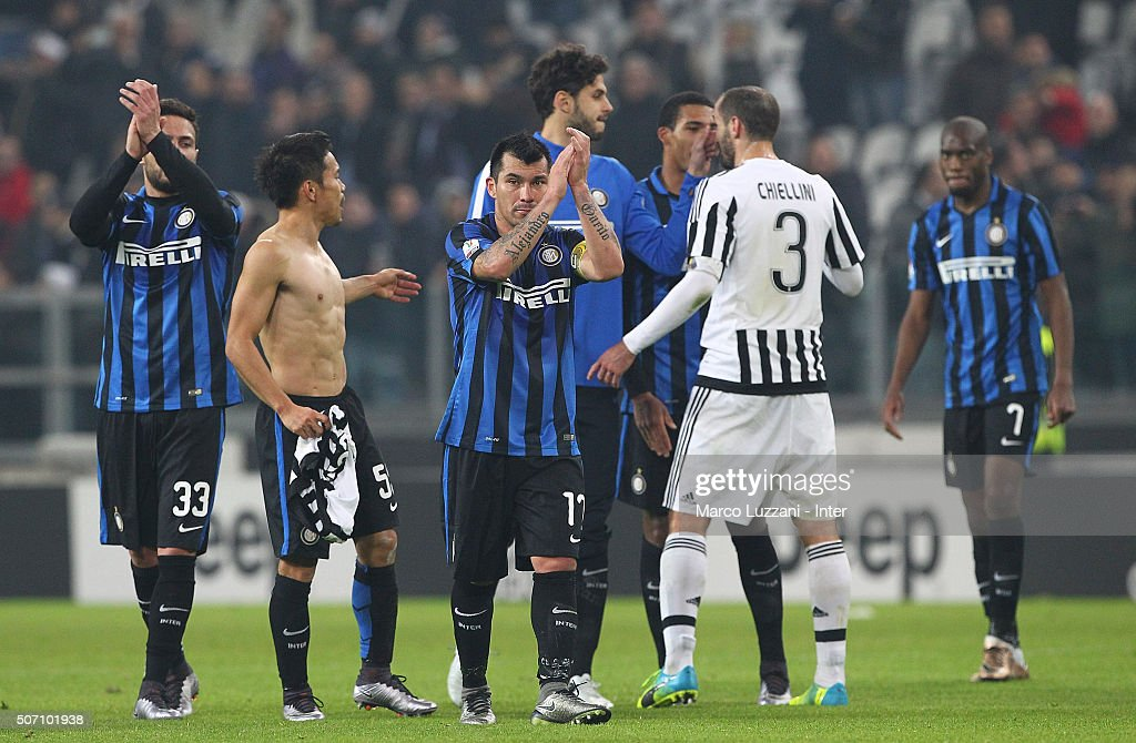 Gary Alexis Medel (C)of FC Internazionale Milano salutes the fans at the end of the TIM Cup match between Juventus FC and FC Internazionale Milano at Juventus Arena on January 27, 2016 in Turin, Italy.