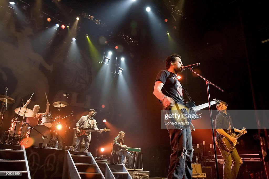 Gary Allan in Concert at The House Of Blues at Showboart Casino Hotel in