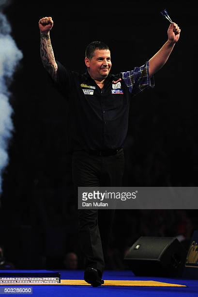 Gary Anderson of Scotland celebrates victory over Adrian Lewis of England in the final match during Day Fifteen of the 2016 William Hill PDC World...