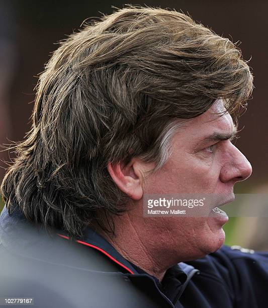 Gary Ayres of Port Melbourne talks to his team during the round 12 VFL match between Port Melbourne and the Bendigo Bombers at TEAC Oval on July 10...