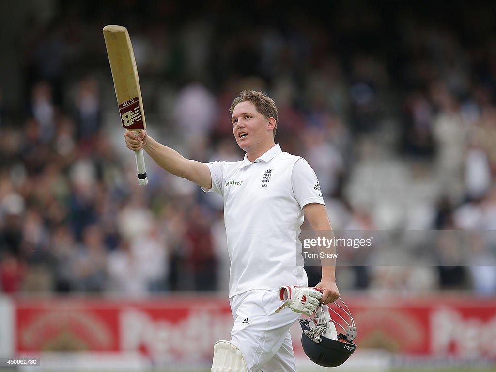 England v Sri Lanka: 1st Investec Test - Day Four : News Photo