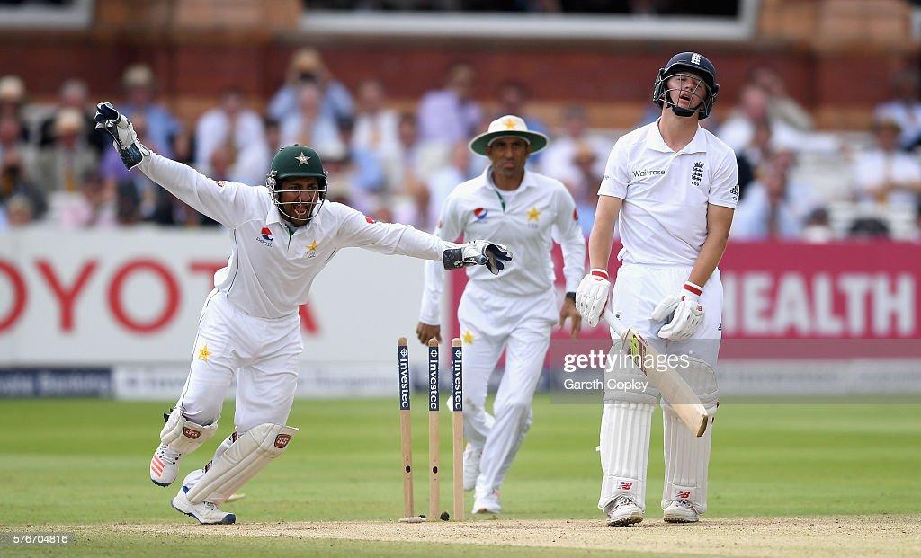 England v Pakistan: 1st Investec Test - Day Four : News Photo
