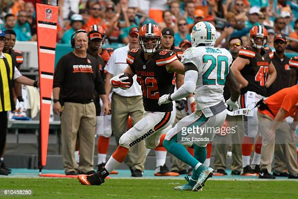 Gary Barnidge of the Cleveland Browns runs after making a reception during the 3rd quarter against the Miami Dolphins on September 25 2016 in Miami...