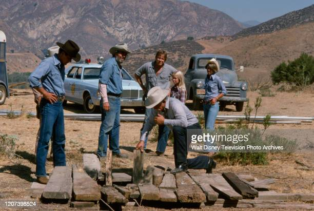 Gary Busey Jack Elam Karen Obediear Lisa Eilbacher appearing on the ABC tv series 'The Texas Wheelers' episode 'The Well'