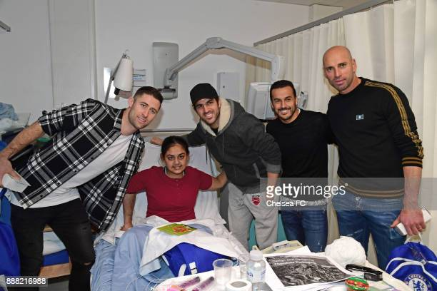 Gary Cahill Cesc Fabregas Pedro and Willy Caballero of Chelsea at the Chelsea and Westminster Hospital for their annual Christmas Visit on December 7...