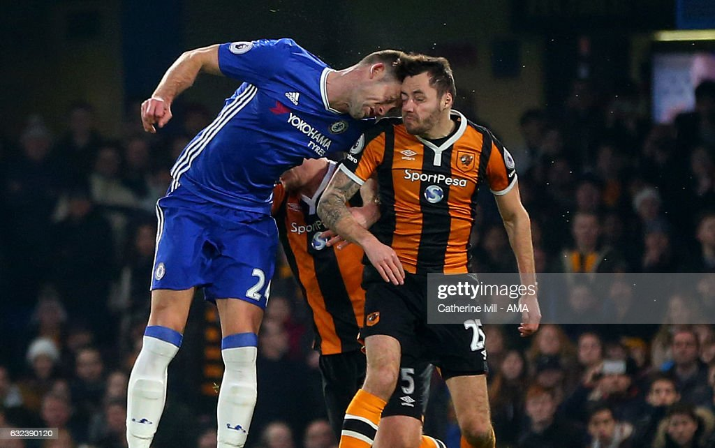 Gary Cahill of Chelsea bangs heads with Ryan Mason of Hull City during the Premier League match between Chelsea and Hull City at Stamford Bridge on January 22, 2017 in London, England.