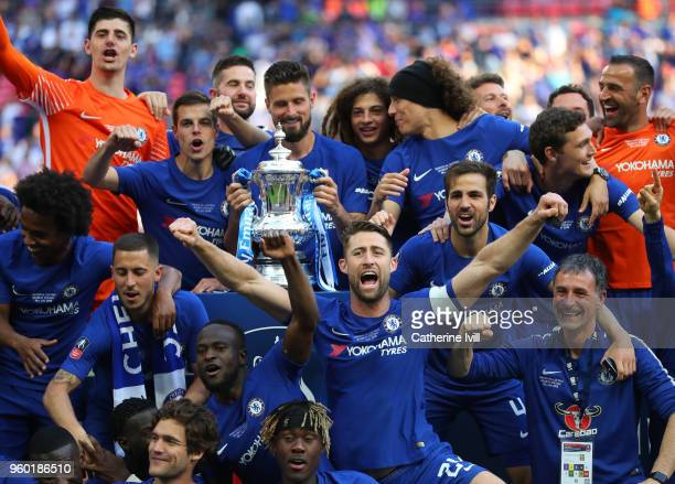 Gary Cahill of Chelsea celebrates with his team mates after winning The Emirates FA Cup Final between Chelsea and Manchester United at Wembley...